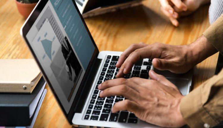 Governo Federal oferece mil serviços digitalizados.