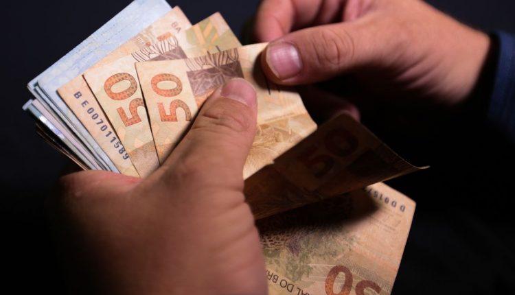 Saiba mais sobre a PL que quer implementar o 13º para Bolsa Família e BPC.