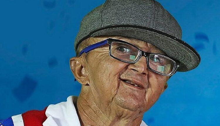 O locutor e humorista Jotinha morre após complicações de COVID-19 na Bahia.