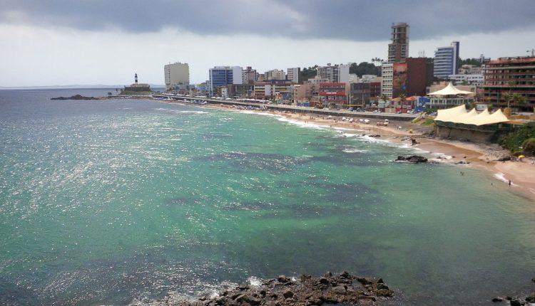 Em Salvador, praia do Porto da Barra já está reaberta!